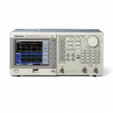 Генератор сигналов AFG3011
