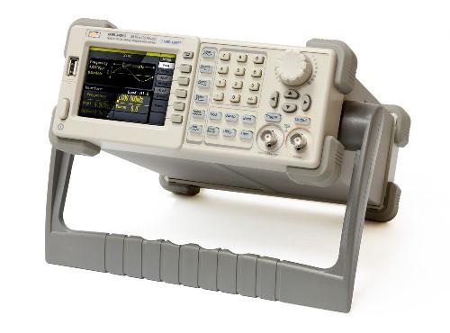 Генератор сигналов АКИП-3408/1