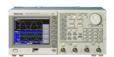 Генератор сигналов AFG3102